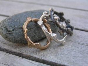 Havtorn ring i sølv og 14k guld - lavet af Nynne Kegel - Loenstrup Smykke Design