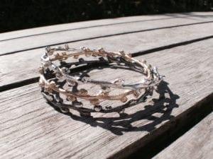 Havtorn armringe i oxyderet sølv og guld - lavet af Nynne Kegel - Loenstrup Smykke Design