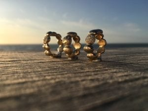 Stepstone i guld med brilanter
