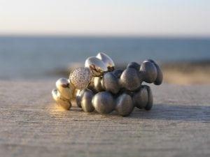 Stepstone ringe i sølv og guld - lavet af Nynne Kegel - Loenstrup Smykke Design